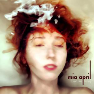 Mia April