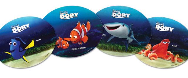 """A Disney•Pixar e o Central Comicstêm para oferecer têm para oferecer 5 packs de merchandising oficial do filme """"À PROCURA […]"""